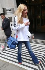FEARNE COTTON Arrives at BBC Radio Studios in London 04/12/2017