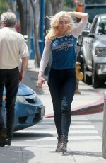 GWEN STEFANI Out for Lunch at Marco