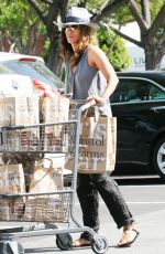 HALLE BERRY Shopping at Bristol Farms in West Hollywood 04/14/2017