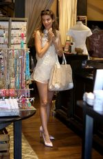RACHEL MCCORD Shopping at Montana Ave in Santa Monica 03/31/2017