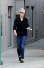 JAMIE LEE CURTIS Out and About in Beverly Hills 04/10/2017
