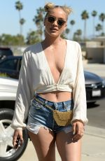 JASMINE SANDERS at 2017 Coachella Valley Music and Arts Festival in Indio 04/14/2017