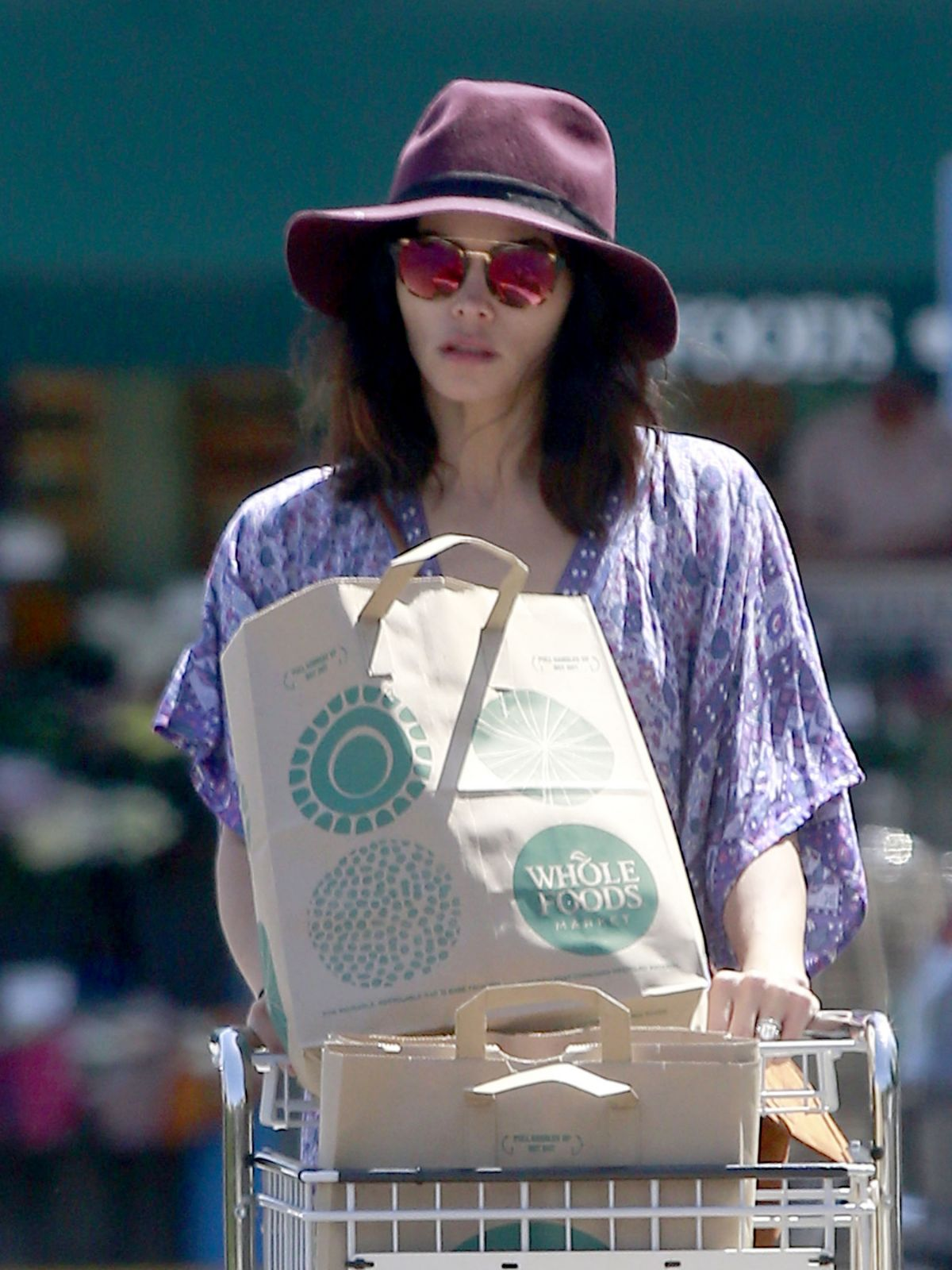 JENNA DEWAN Out for Grocery Shopping at Whole Foods in Beverly Hills 04/15/2017