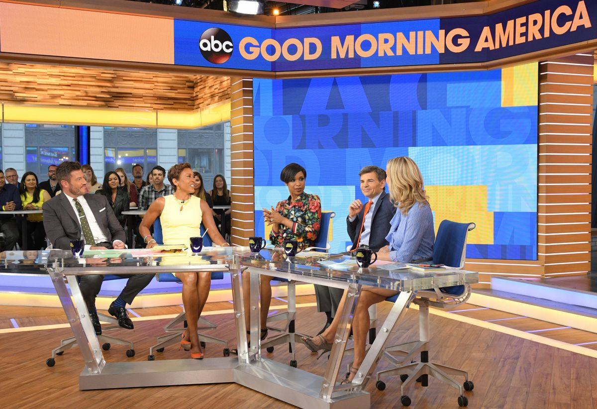 JENNIFER HUDSON on the Set of Good Morning America 04/17 ... Good Morning America