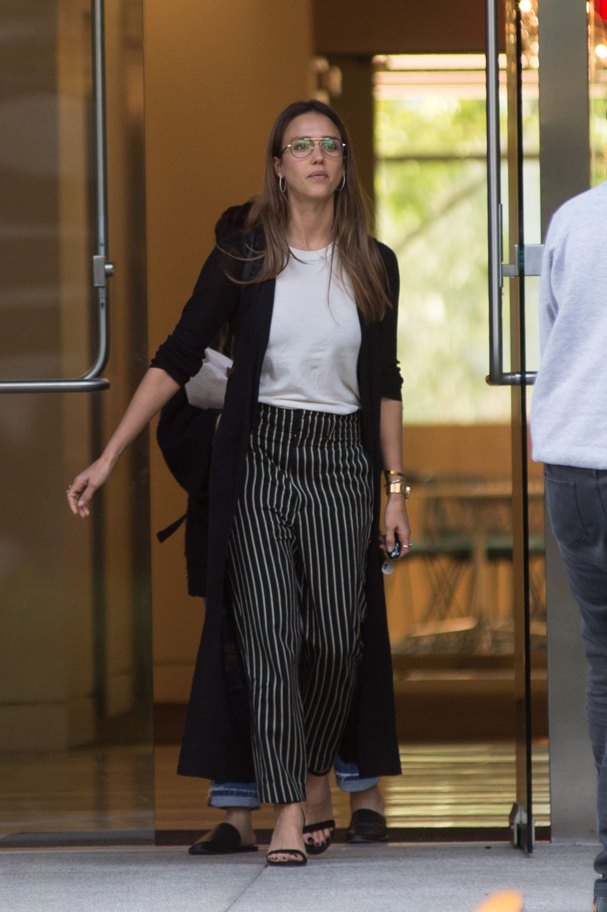 http://www.hawtcelebs.com/wp-content/uploads/2017/04/jessica-alba-leaves-an-office-in-los-angeles-04-15-2017_2.jpg