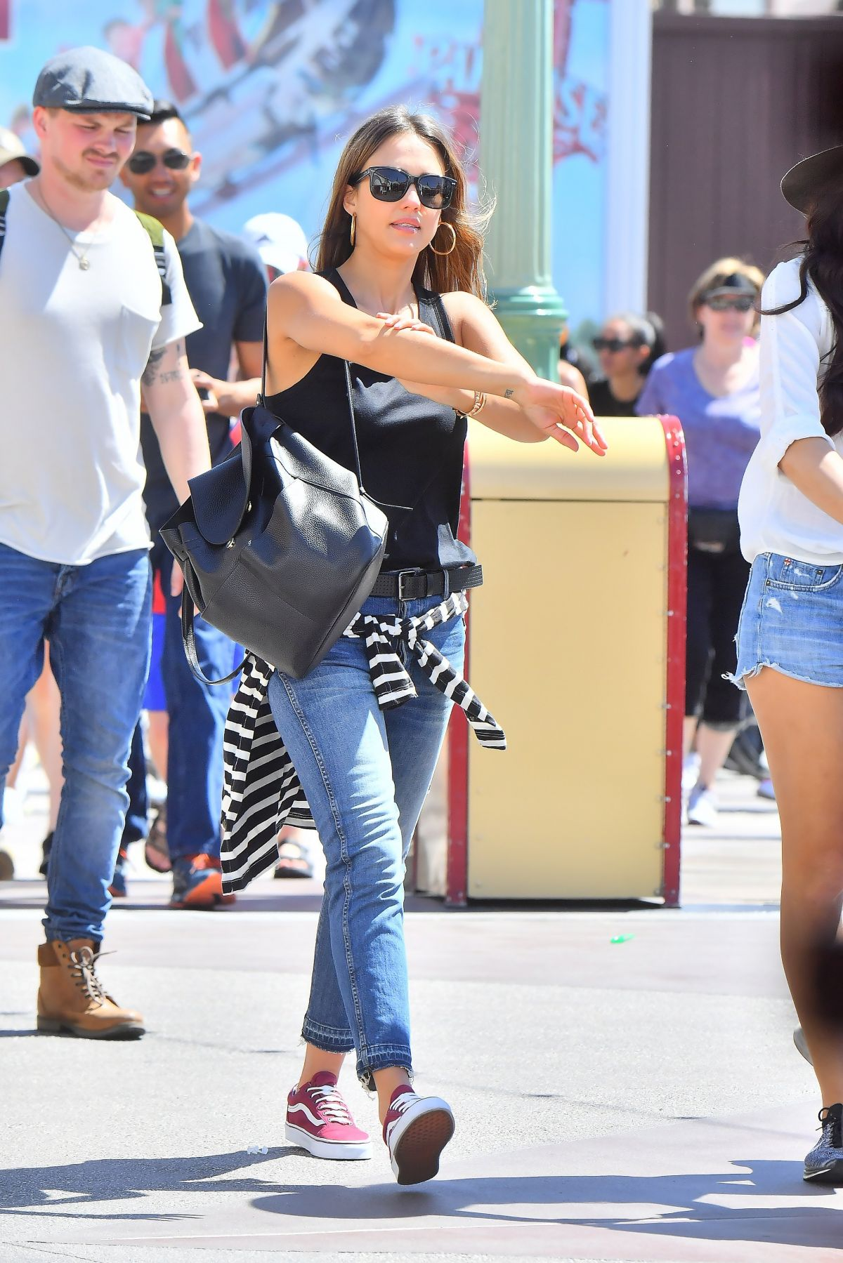 http://www.hawtcelebs.com/wp-content/uploads/2017/04/jessica-alba-out-at-disneyland-in-anaheim-03-30-2017_4.jpg