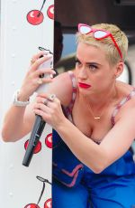 KATY PERRY Promotes Her New Song