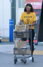 KELLY ROWLAND Out Shoppin at Bristol Farms in Los Angeles 04/20/2017