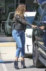 KHLOE KARDASHIAN in Tight Jeans Oout for Lunch in Los Angeles 03/31/2017