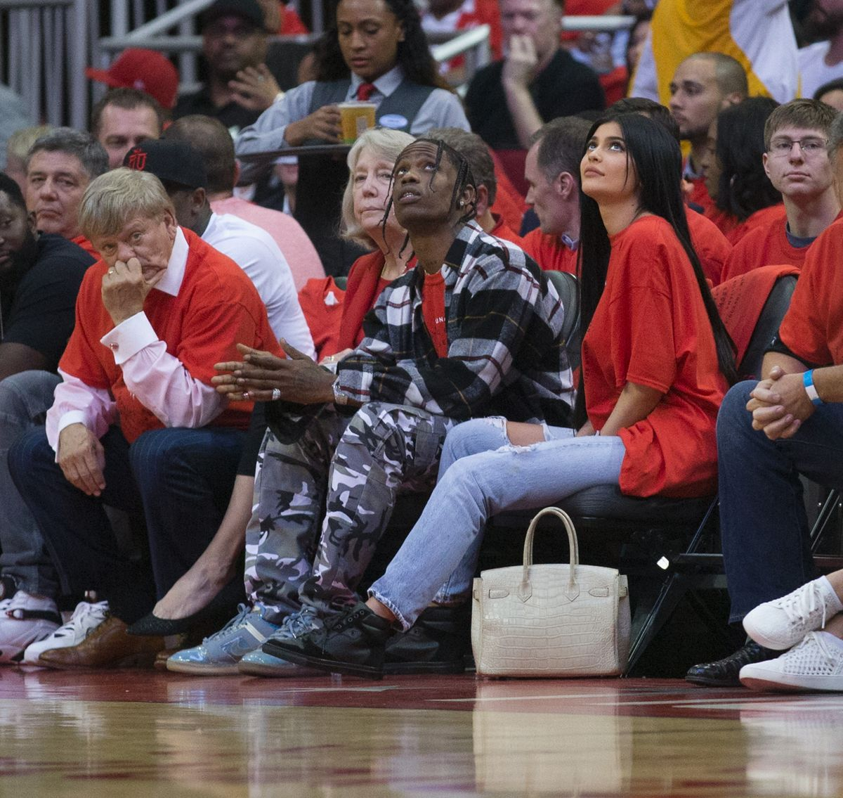 Houston Rockets Upcoming Home Games: KYLIE JENNER At Houston Rockets Game 04/25/2017