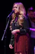 LEE ANN WOMACK Performs at Broward Center in Fort Lauderdale 04/09/2017
