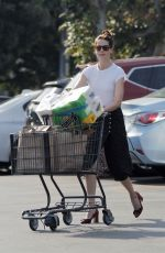 MICHELLE MONAGHAN Shopping at Gelsons