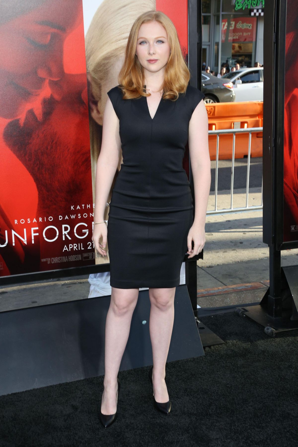 Molly quinn unforgettable premiere in la naked (96 photos), Sexy Celebrites pic