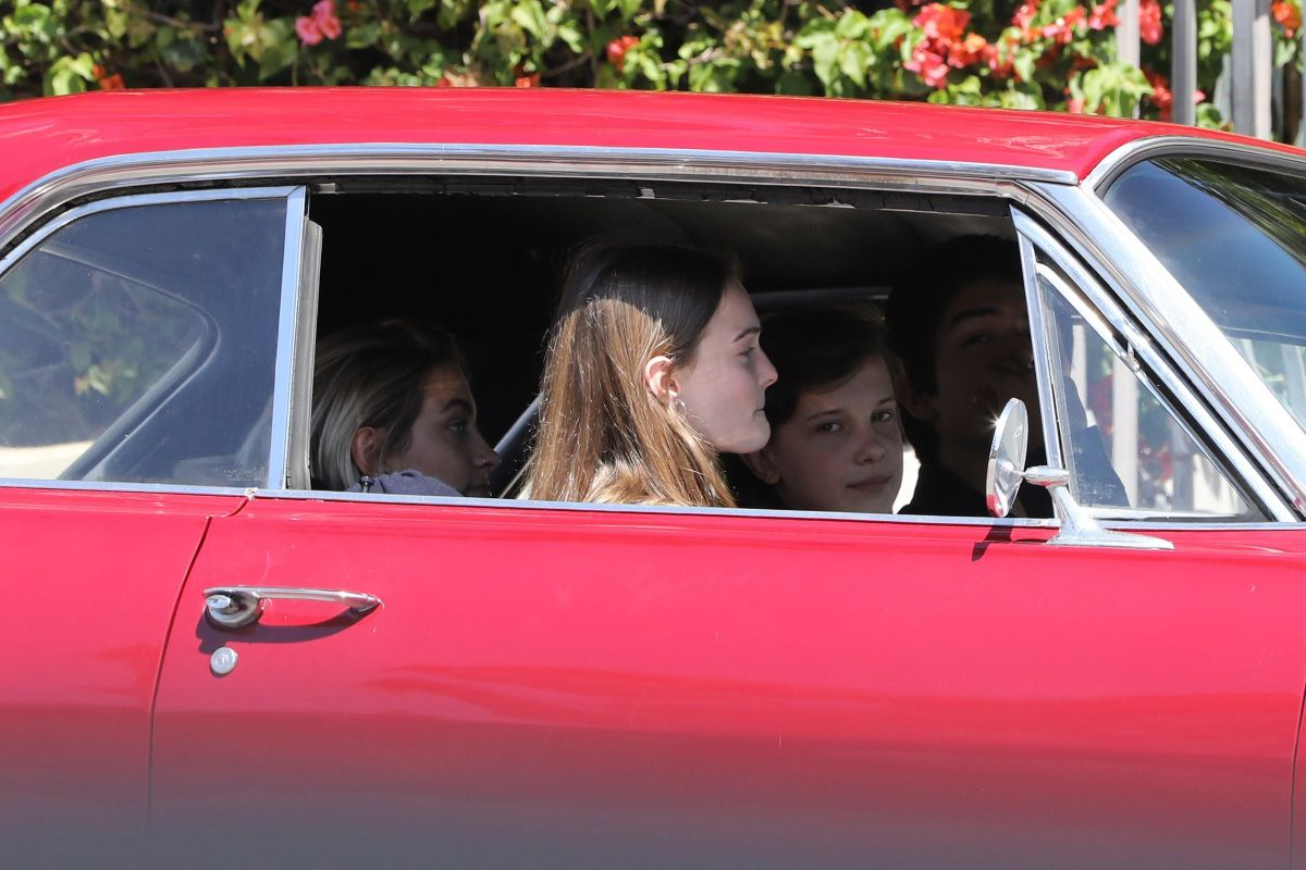 PARIS JACKSON and MILLIE BOBBY BROWN on the Set of Black Dhalia House in Los Angeles 04/20/2017   paris-jackson-and-millie-bobby-brown-on-the-set-of-black-dhalia-house-in-los-angeles-04-20-2017_15