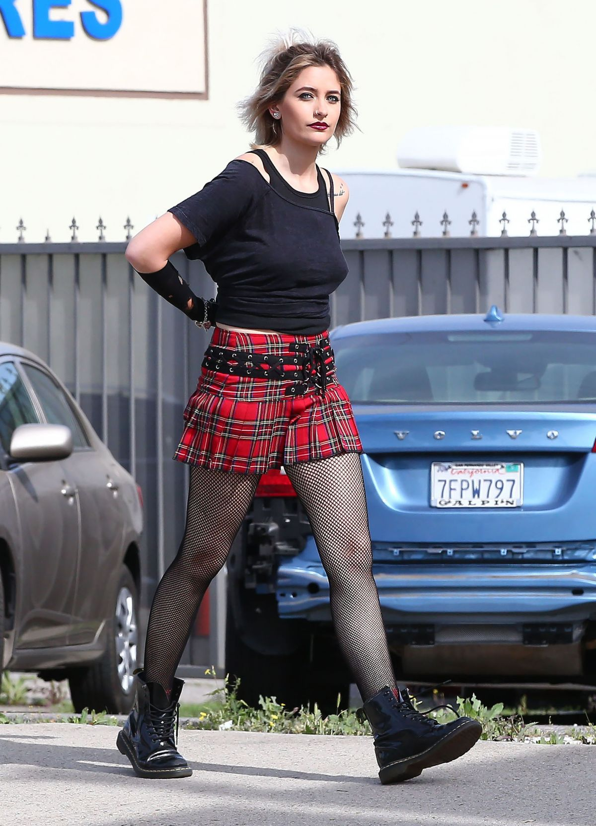 paris jackson in plaid skirt out in los angeles 04  27  2017