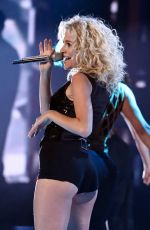 PIXIE LOTT Performs at The Voice Finale in London 04/01/2017