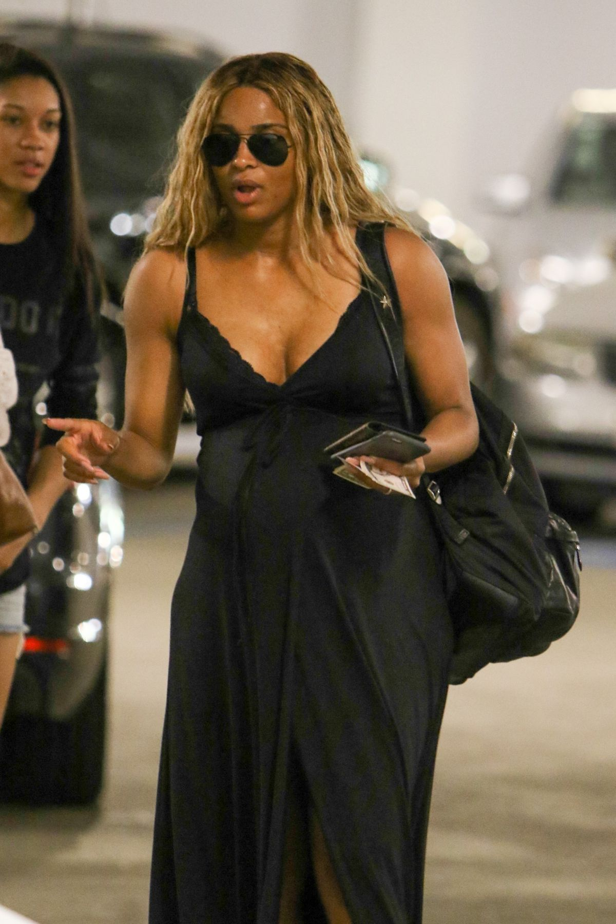 Ciara Pregnant 17