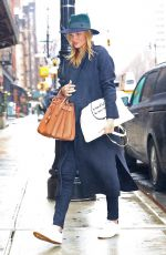 Pregnant ROSIE HUNTINGRON-WHITELEY Shopping at ABC Carpet & Home Store in New York 04/06/2017