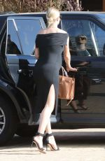 Pregnant ROSIE HUNTINGTON-WHITELEY Arrives for Her Baby Shower in Malibu 04/18/2017