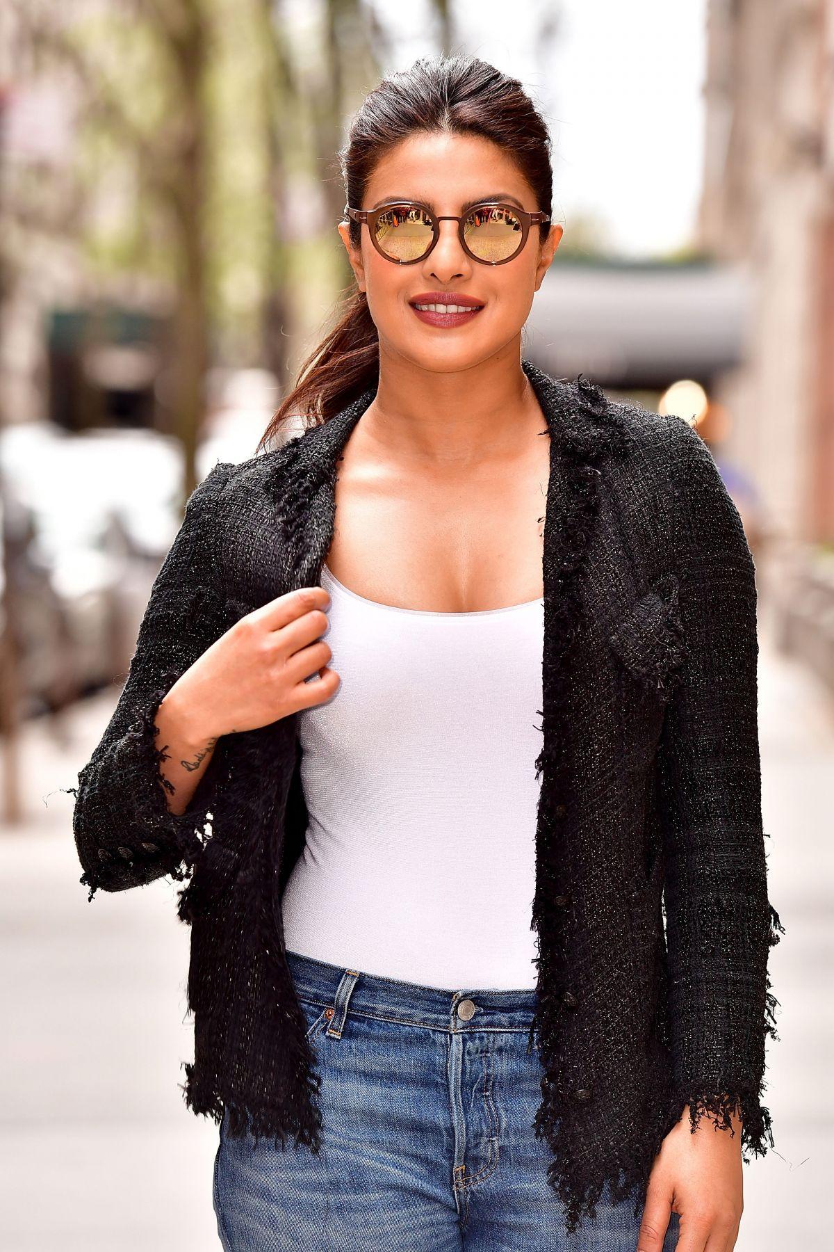 priyanka chopra leaves live with in new york 04 17