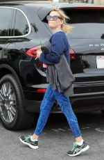 REESE WITHERSPOON Leaves Burn 60 in Brentwood 04/13/2017