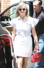 REESE WITHERSPOON Out and About in Los Angeles 04/27/2017