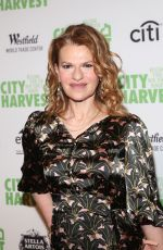 SANDRA BERNHARD at City Harvest's 23rd Annual Gala in New York 04/25/2017