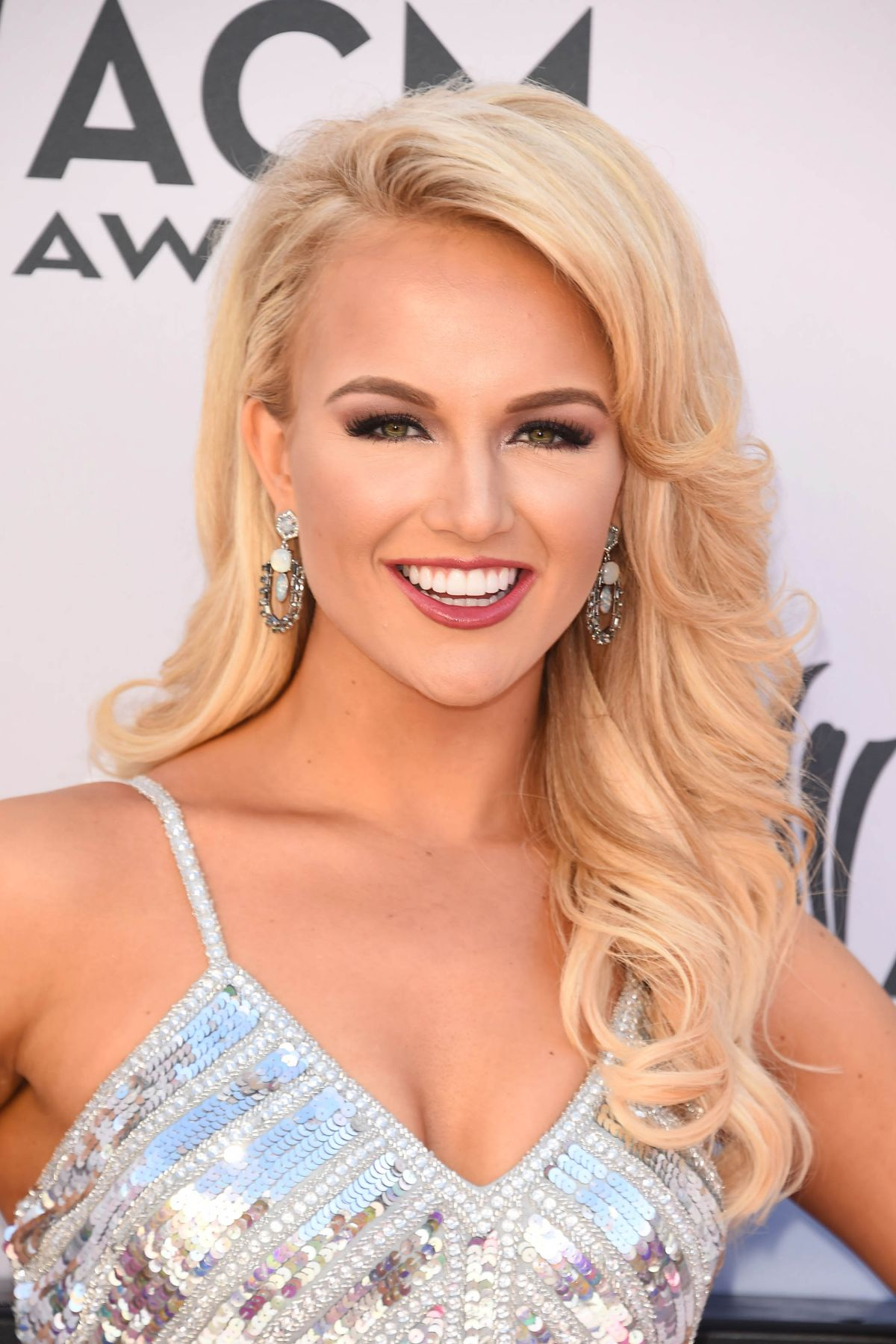 SAVVY SHIELDS at 2017 Academy of Country Music Awards in Las Vegas 04/02/2017