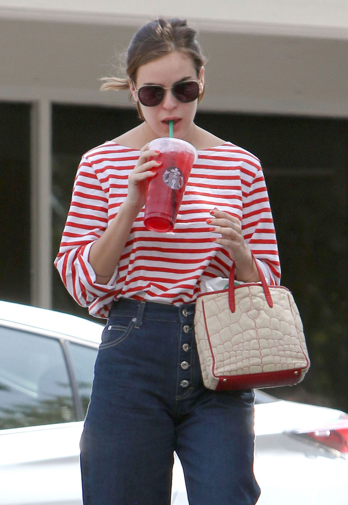 TALLULAH WILLIS at a Starbucks in Bel-Air 04/11/2017