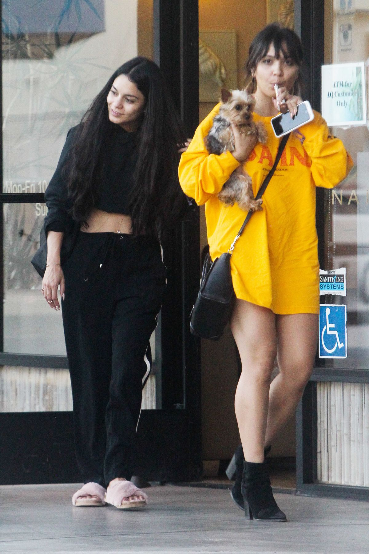VANESSA and STELLA HUDGENSat a Nail Salon in Los Angeles 04/25/2017
