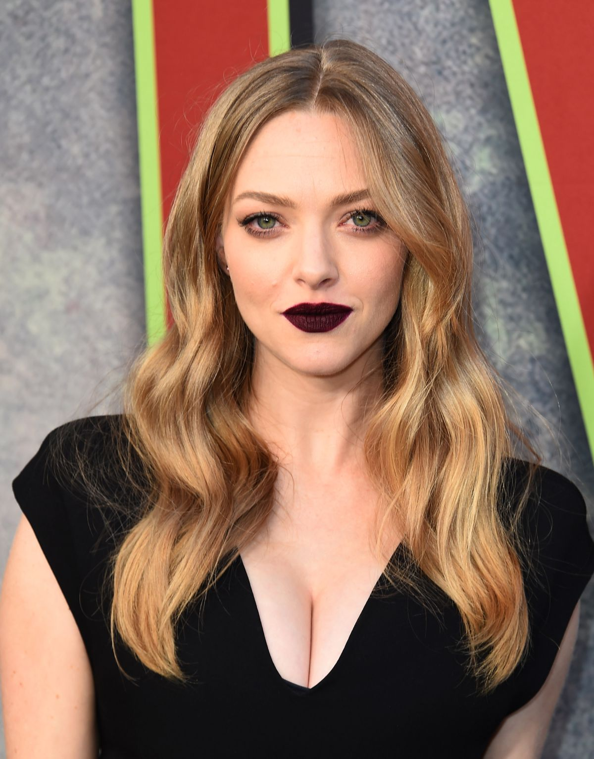 AMANDA SEYFRIED at Twi...