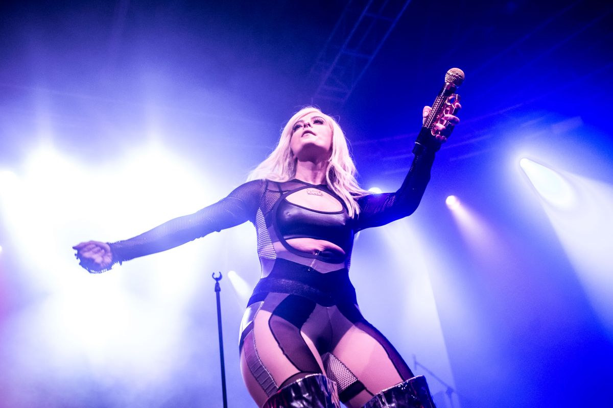 BEBE REXHA Performs at Fabrique in Milan 05/09/2017