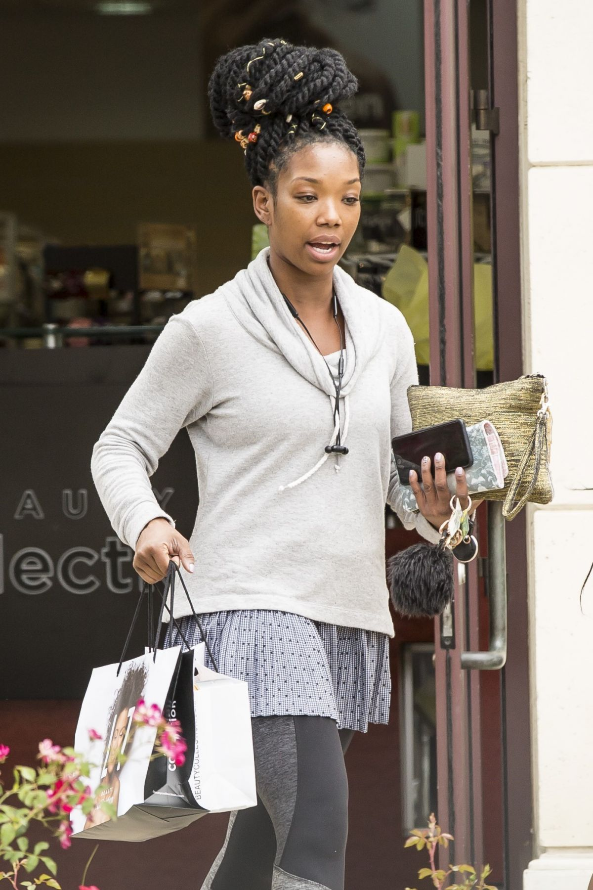 BRANDY NORWOOD Out Shopping at Sephora in Calabasas 05/17/2017