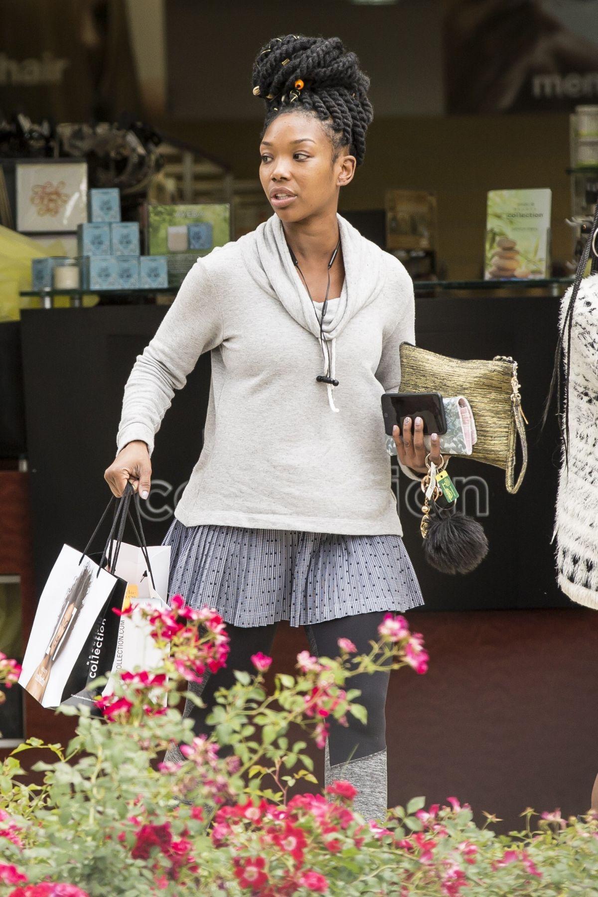 BRANDY NORWOOD Out Shopping at Sephora in Calabasas 05/17 ...