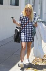 BUSY PHILIPPS Leaves a Dry Cleaners in Beverly Hills 05/18/2017