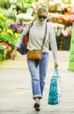 CAMERON DIAZ Shopping at Whole Foods in Beverly Hills 05/17/2017