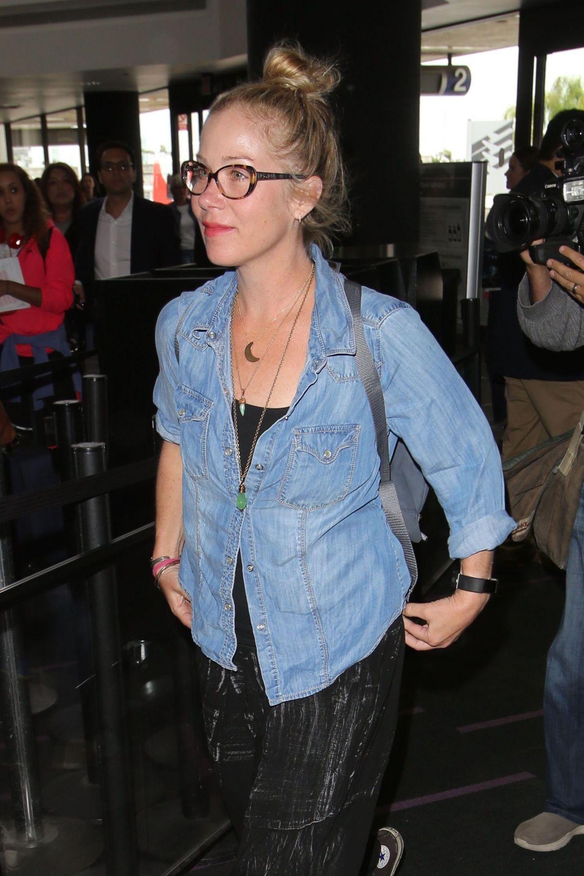 CHRISTINA APPLEGATE at Los Angeles International Airport 05/25/2017