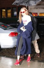 GIGI HADID Arrives at Her Apartment in New York 03/31/2017