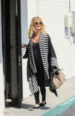 GOLDIE HAWN Out Shopping in Brentwood 05/12/2017