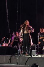 HAILEE STEINFELD Performs at Chanel 933
