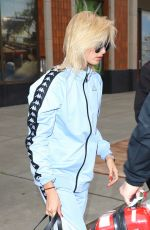 HAILEY BALDWIN Out in New York 05/05/2017
