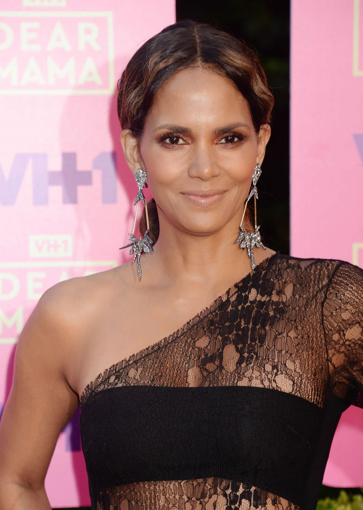 HALLE BERRY at VH1 Dear Mama Taping in Los Angeles 05/06 ... Halle Berry