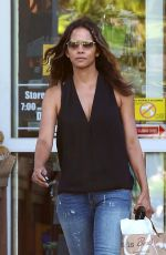 HALLE BERRY Shopping at Bristol Farms in West Hollywood 05/04/2017