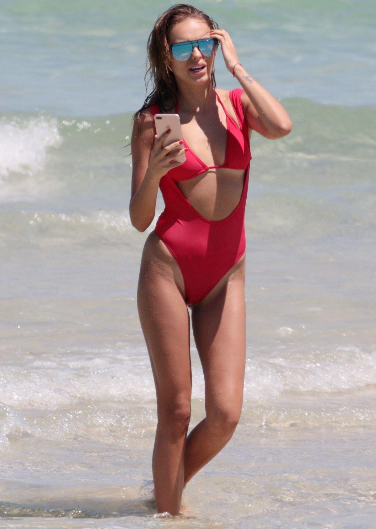 Fotos Hanna Ivanova nudes (75 foto and video), Sexy, Sideboobs, Boobs, braless 2015
