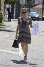JENNIFER GARNER Out and About in Brentwood 05/28/2017
