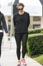 JENNIFER GARNER Out and About in Los Angeles 05/05/2017