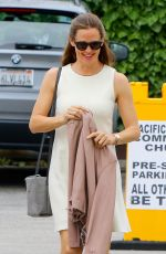 JENNIFER GARNER Out and About in Pacific Palisades 05/14/2017