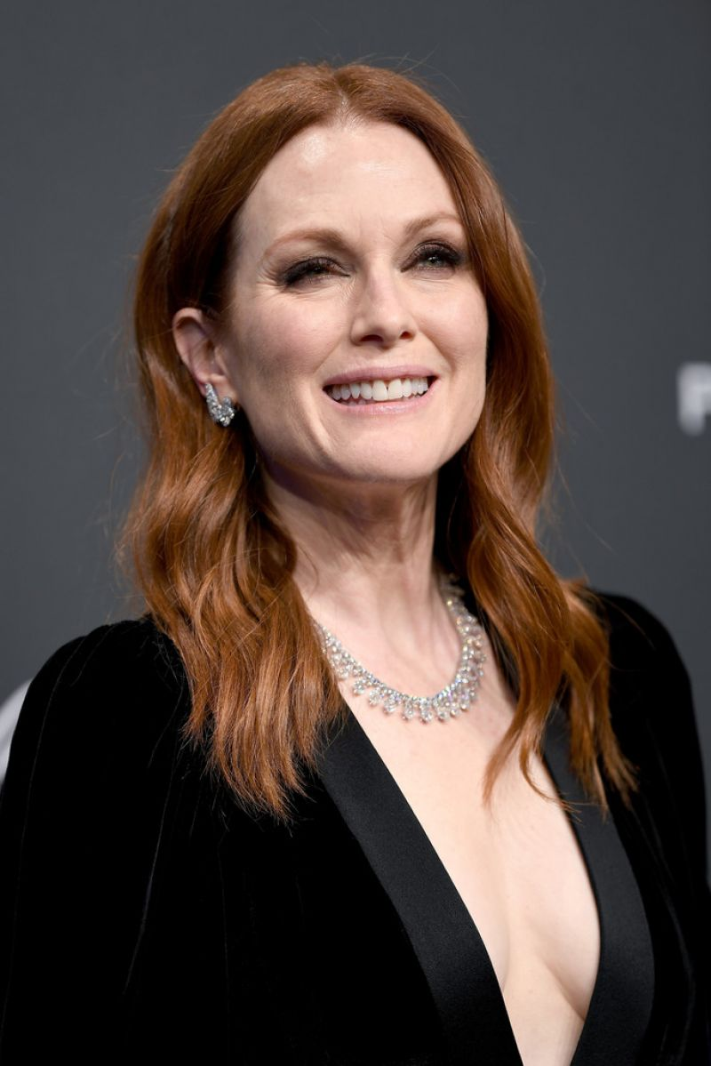 JULIANNE MOORE at Chopard Party at 2017 Cannes Film ... Jessica Chastain Movies