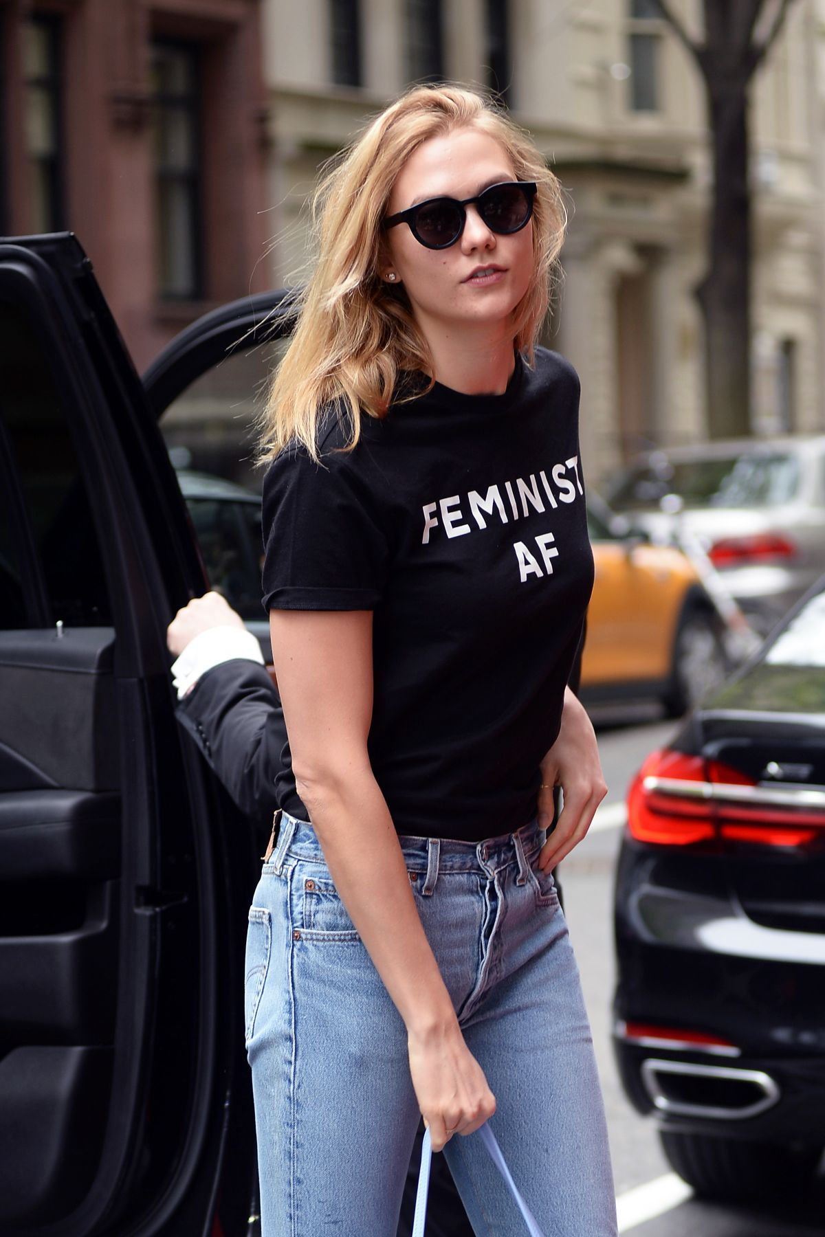KARLIE KLOSS Arrives at Her Hotel in New York 05/01/2017