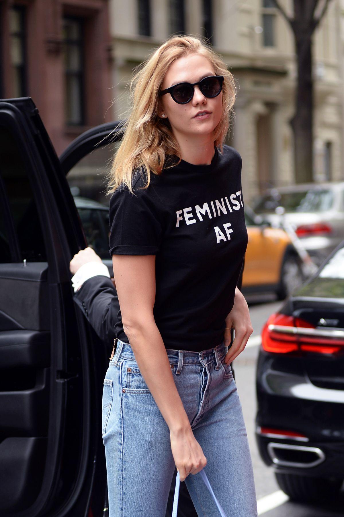 KARLIE KLOSS Arrives at Her Hotel in New York 05/01/2017